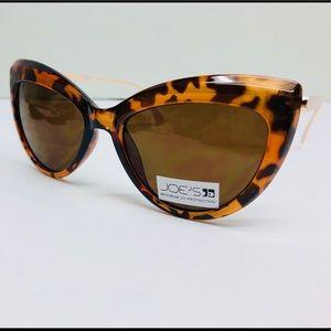 🌻 Joe's Jeans Women's Cat Eye Sunglasses 🌻
